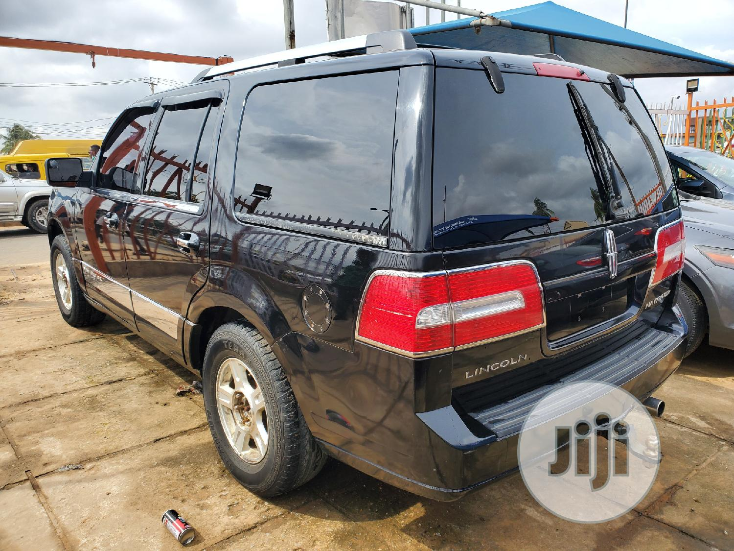 Lincoln Navigator 4x4 Luxury 2007 Black | Cars for sale in Alimosho, Lagos State, Nigeria