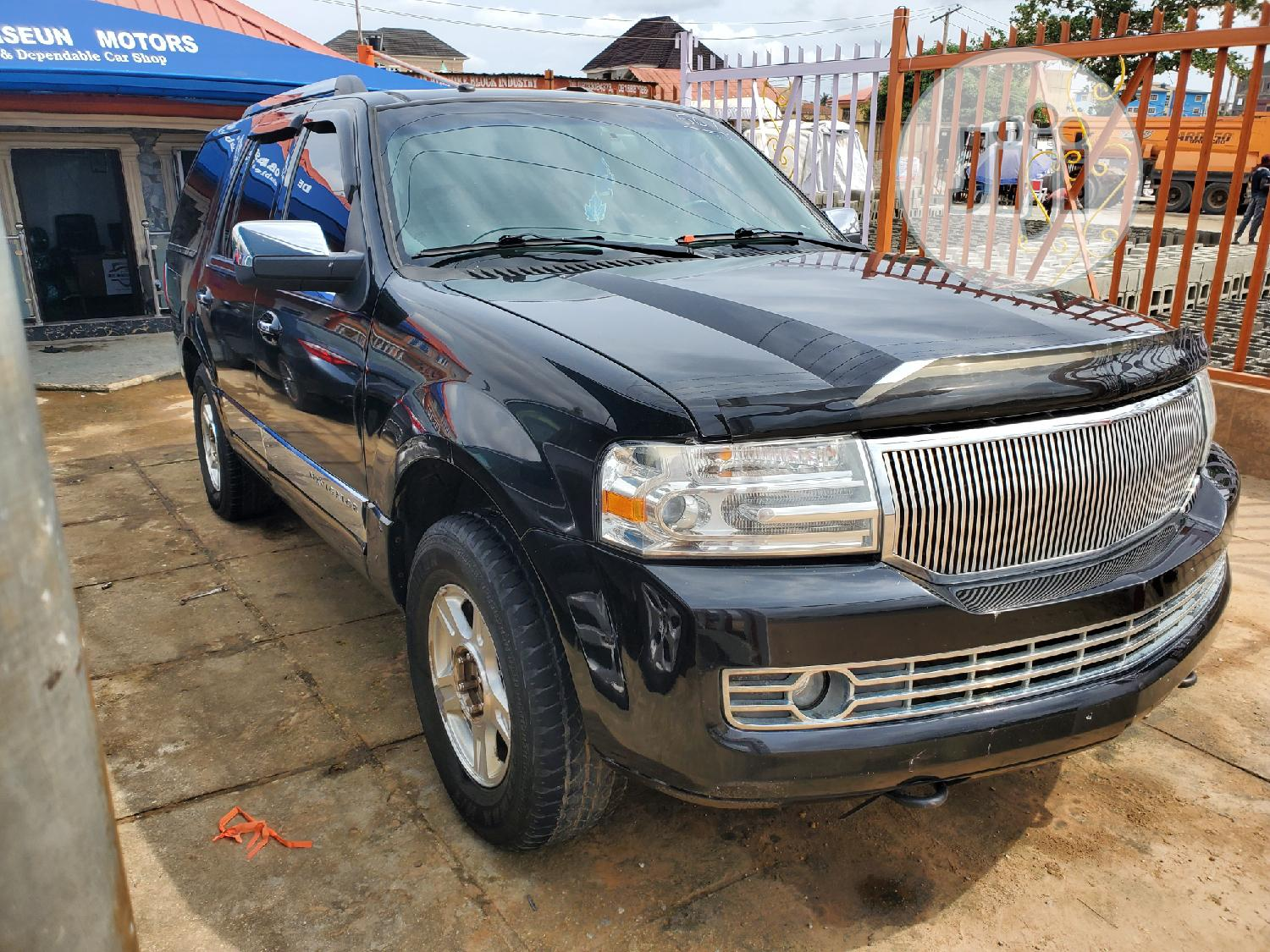 Lincoln Navigator 4x4 Luxury 2007 Black