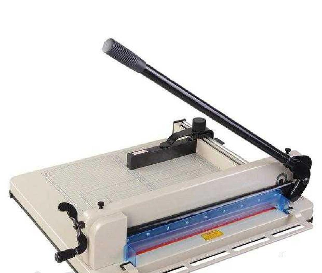 Very Heavy Duty Paper Cutter