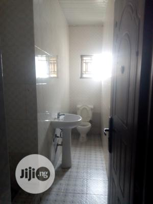Spacious 3bedroom Flat at Oakland Estate   Houses & Apartments For Rent for sale in Lagos State, Ajah