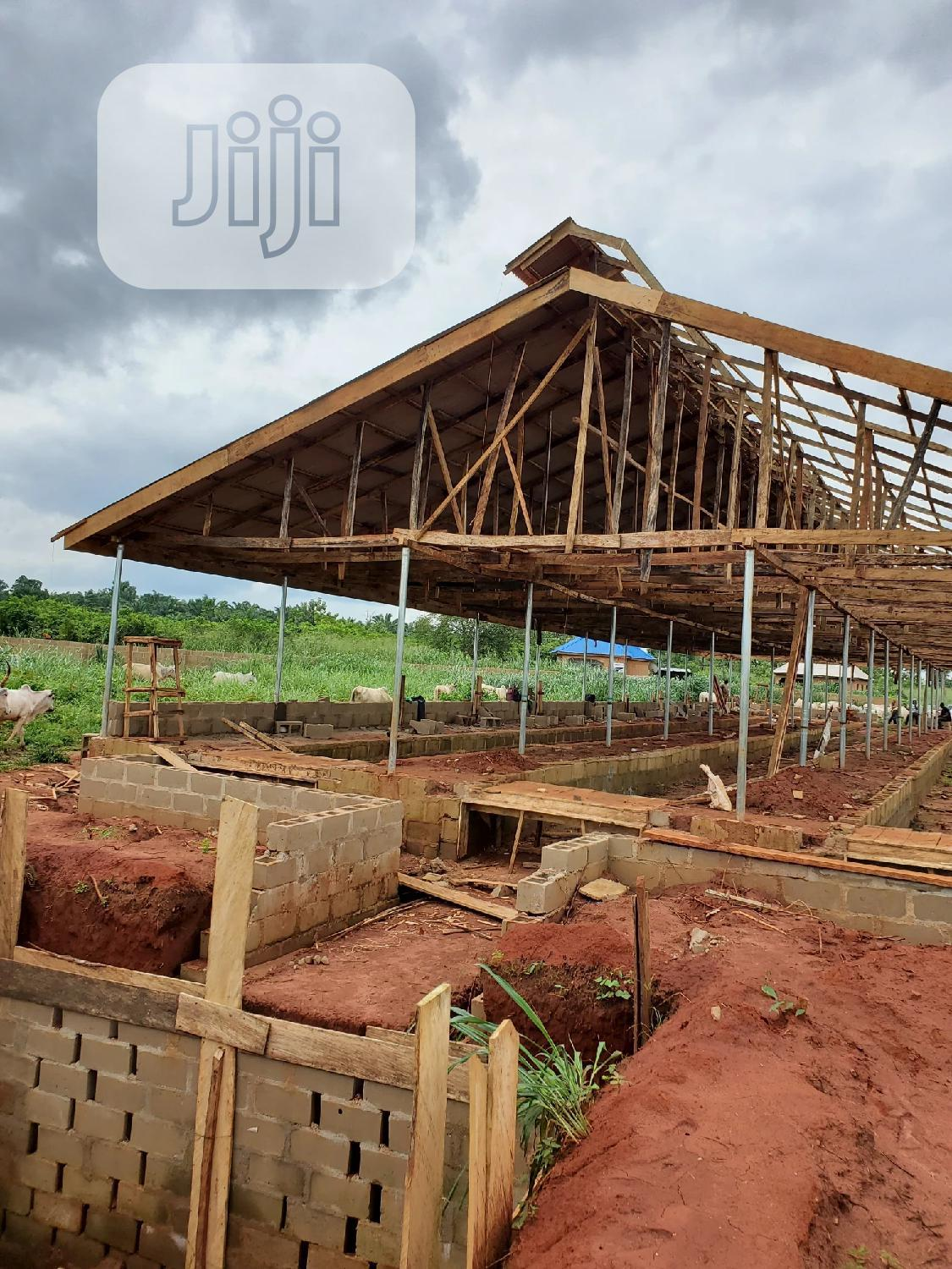 POULTRY Pen House BUILDING Company