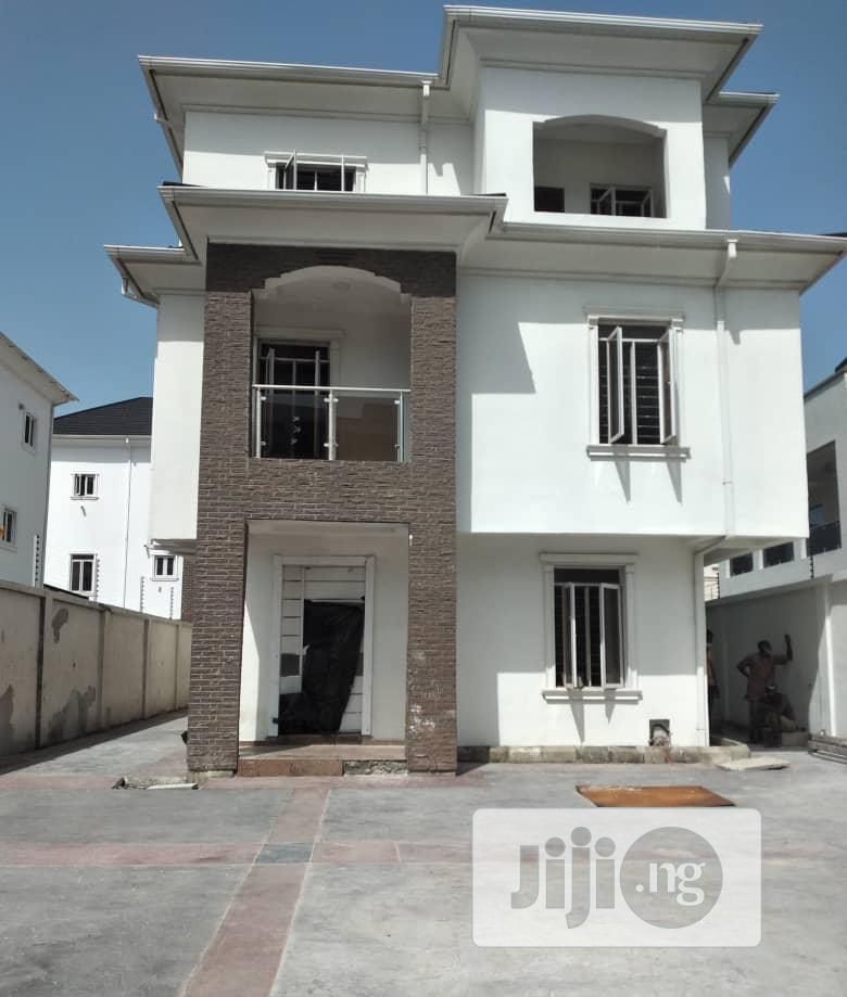 Well Finished 5 Bedroom Fully Detached Duplex For Sale