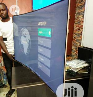 """2020 HISENSE 55""""Inch 4k Ultra HD 7 Series Smart Curve Tv 