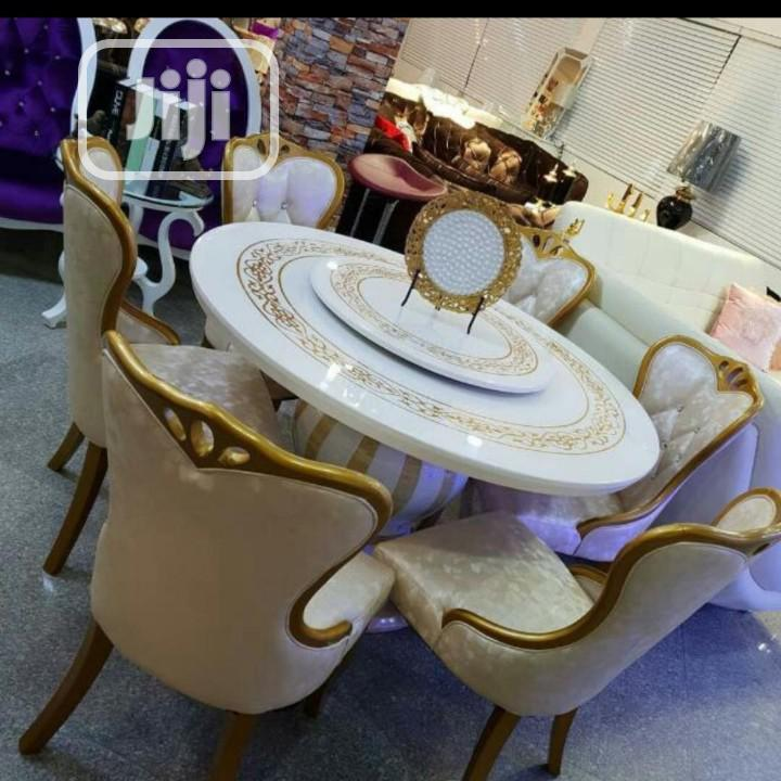 Round Marble Dinning By Six Seater