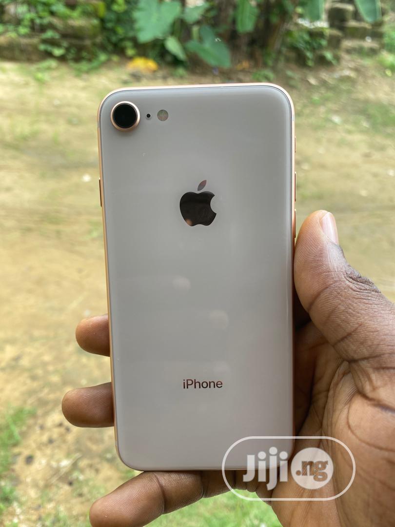 Archive: Apple iPhone 8 64 GB Black
