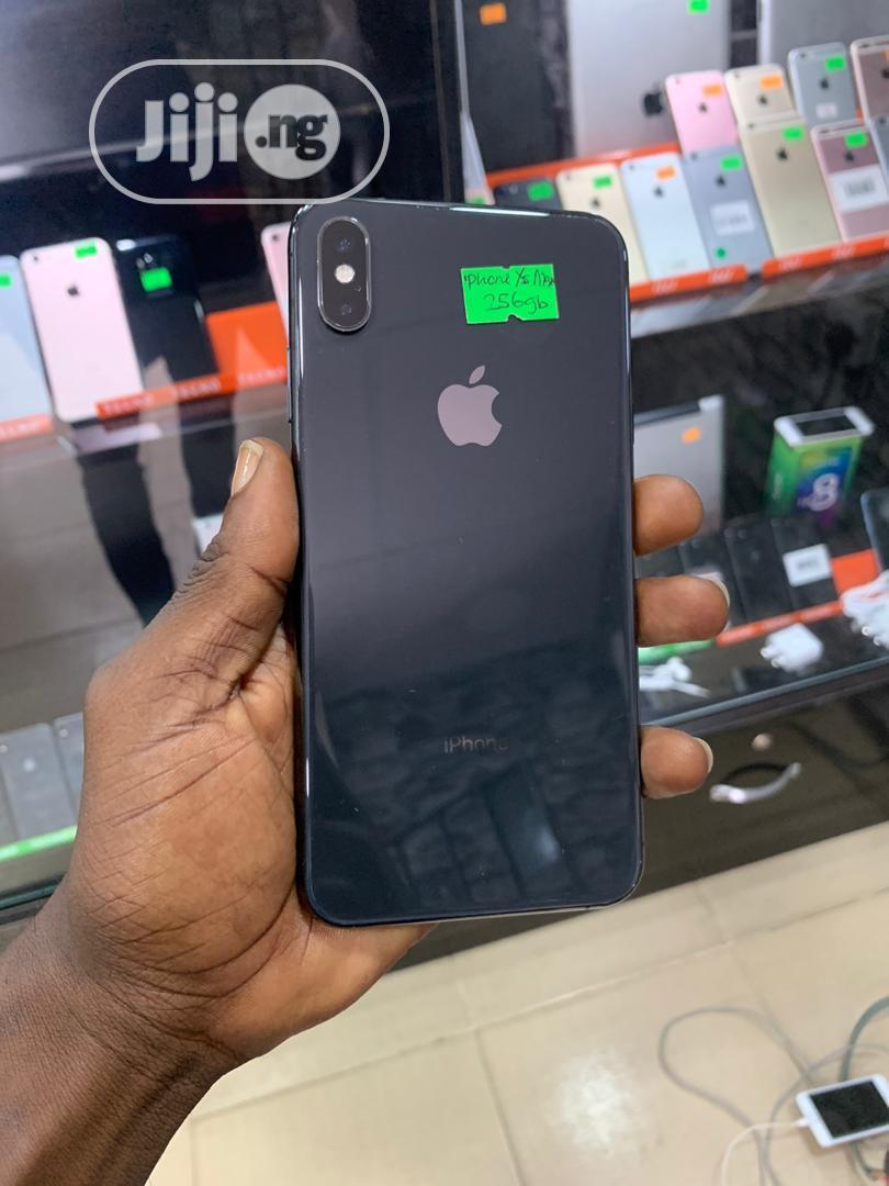 Apple iPhone XS Max 256 GB Black