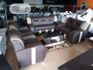 Sofa Chair Of 7 Seaters With Centre Table - Leather Couch | Furniture for sale in Lagos State, Magodo