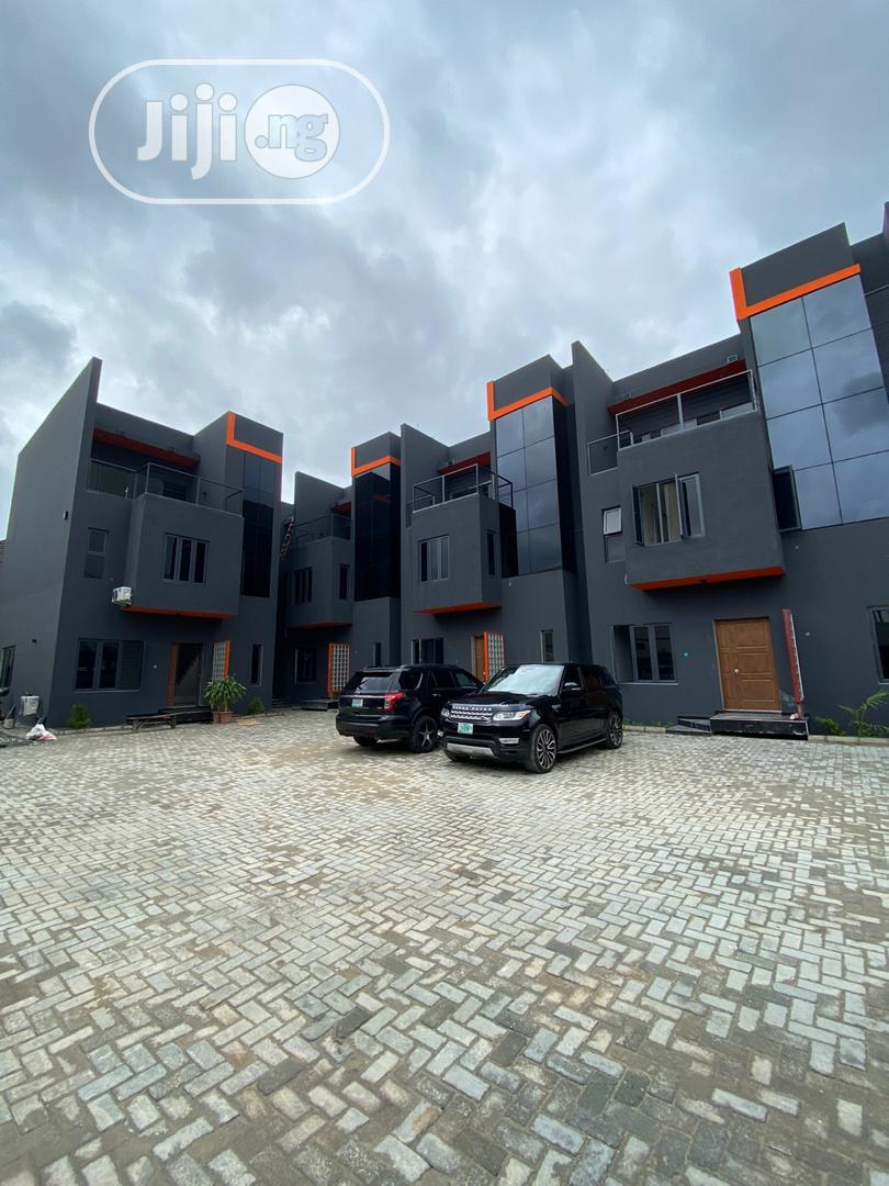 By Elf Estate Lekki, Lagos . Tittle : Governors Consent)