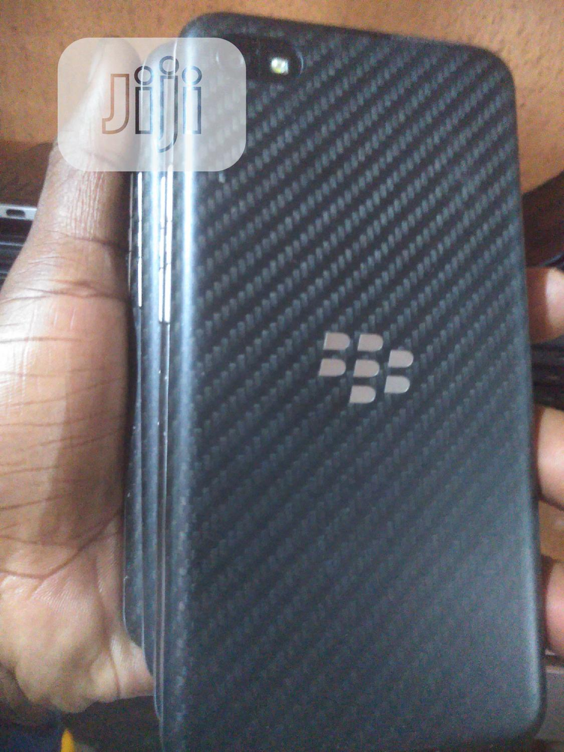 BlackBerry Z30 16 GB Black