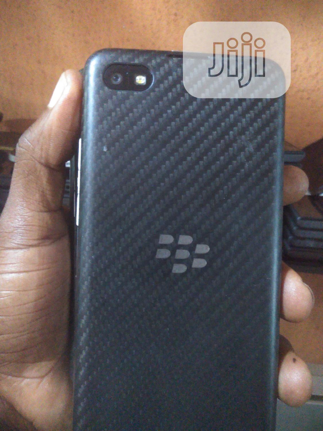 BlackBerry Z30 16 GB Black | Mobile Phones for sale in Ikeja, Lagos State, Nigeria