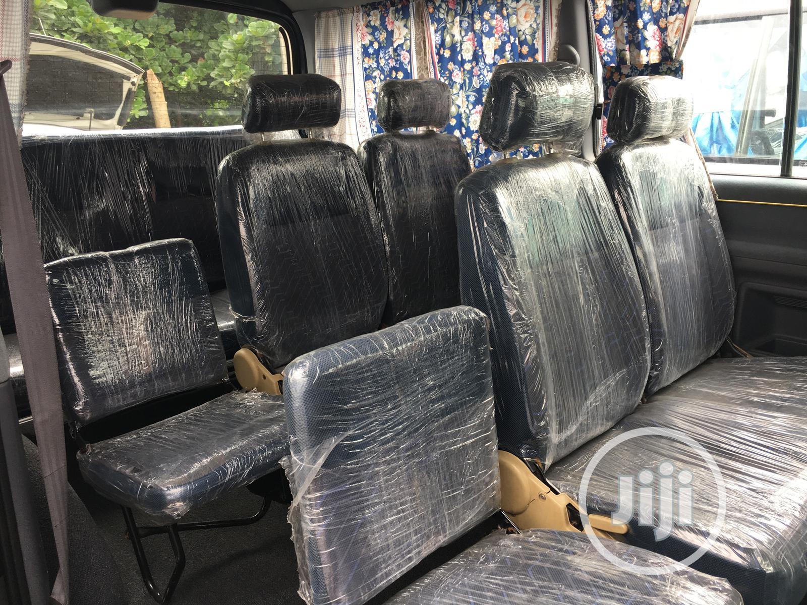 Archive: Hiace Bus Short