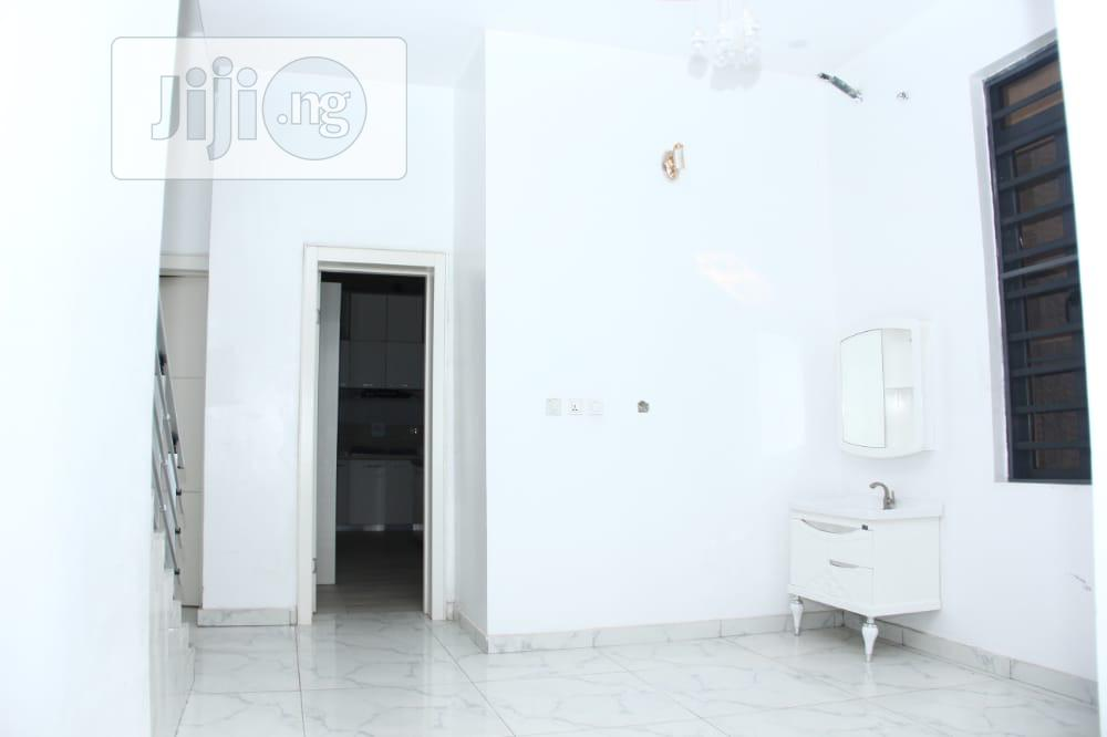 5bedroom Fully Detached Duplex at Lekky County Homes Estate | Houses & Apartments For Sale for sale in Lekki Phase 2, Lagos State, Nigeria
