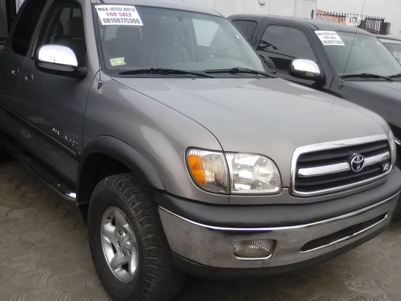 Toyota Tundra 2002 Automatic Gray