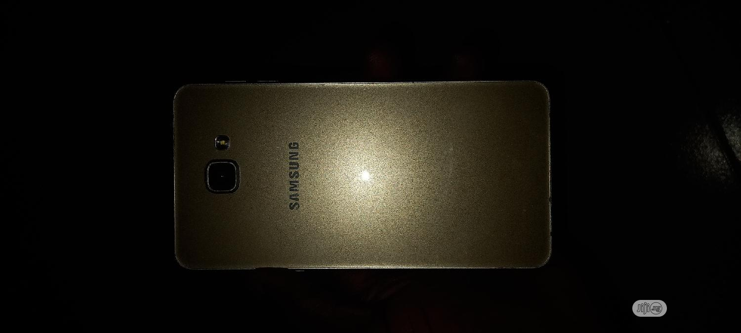 Samsung Galaxy A9 32 GB Gold