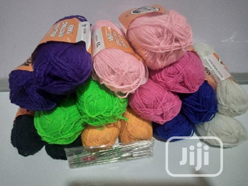 16 Pieces Colorful Knitting Yarn + 12 Crochet Pins