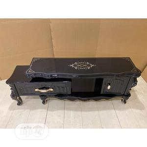 Royal Tv Stand With Glass Top And Wooden Drawers   Furniture for sale in Lagos State, Ojo