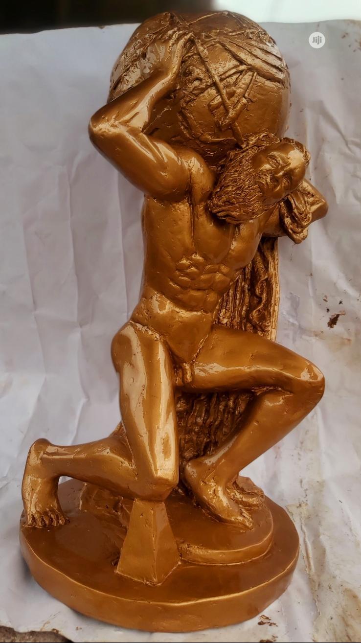 Sculpture, Weight of the World
