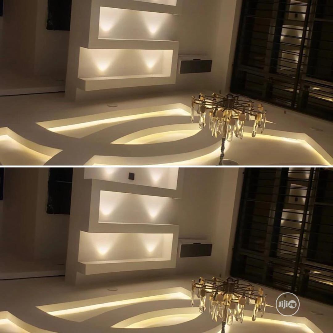 Best TV Walls Nigeria (With Warm Lights)