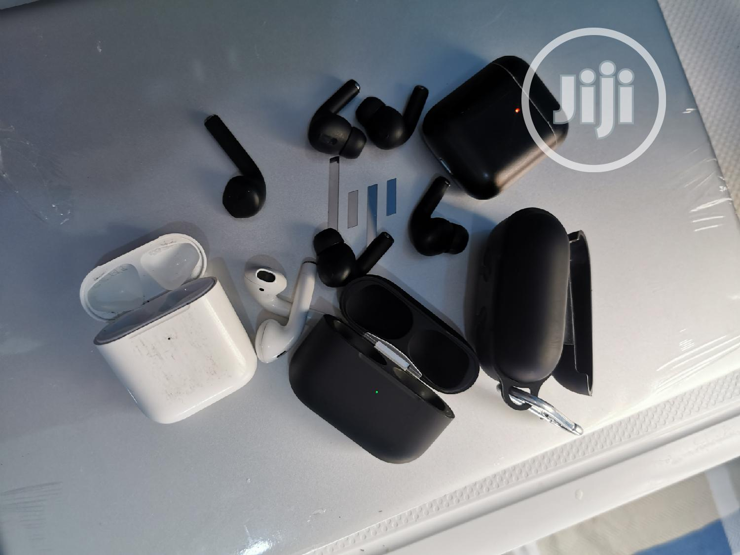 Archive: Apple Airpod Pro And Airpod 2