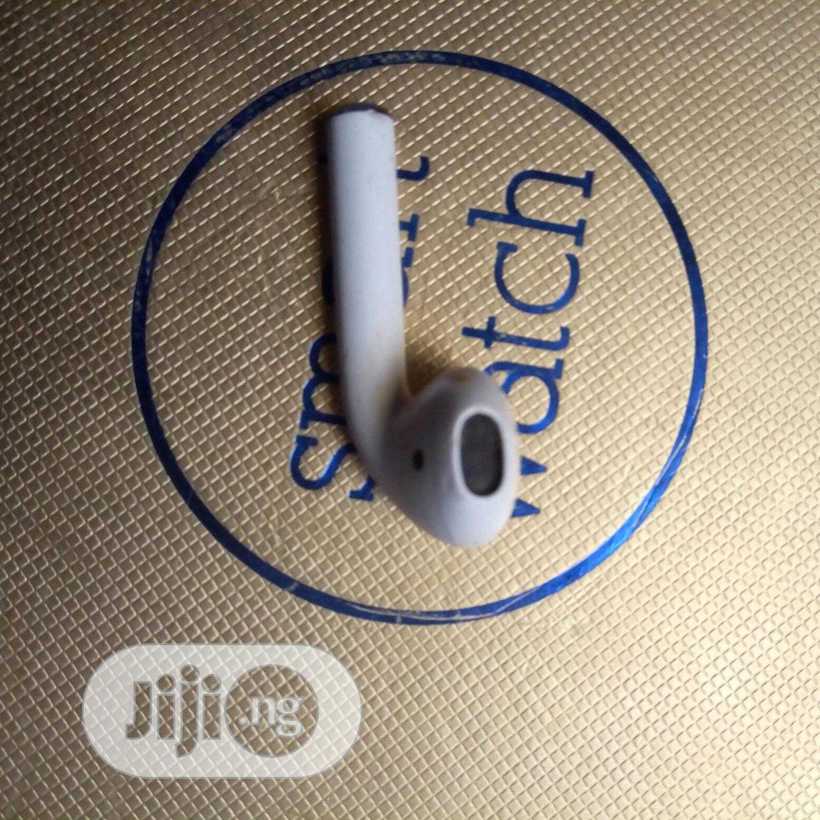 Archive: Original Airpod Left Ear Replacement