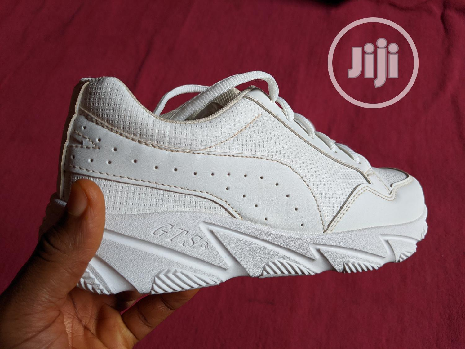 Unisex White Sneakers Shoe (Suitable For Corpers/NYSC)