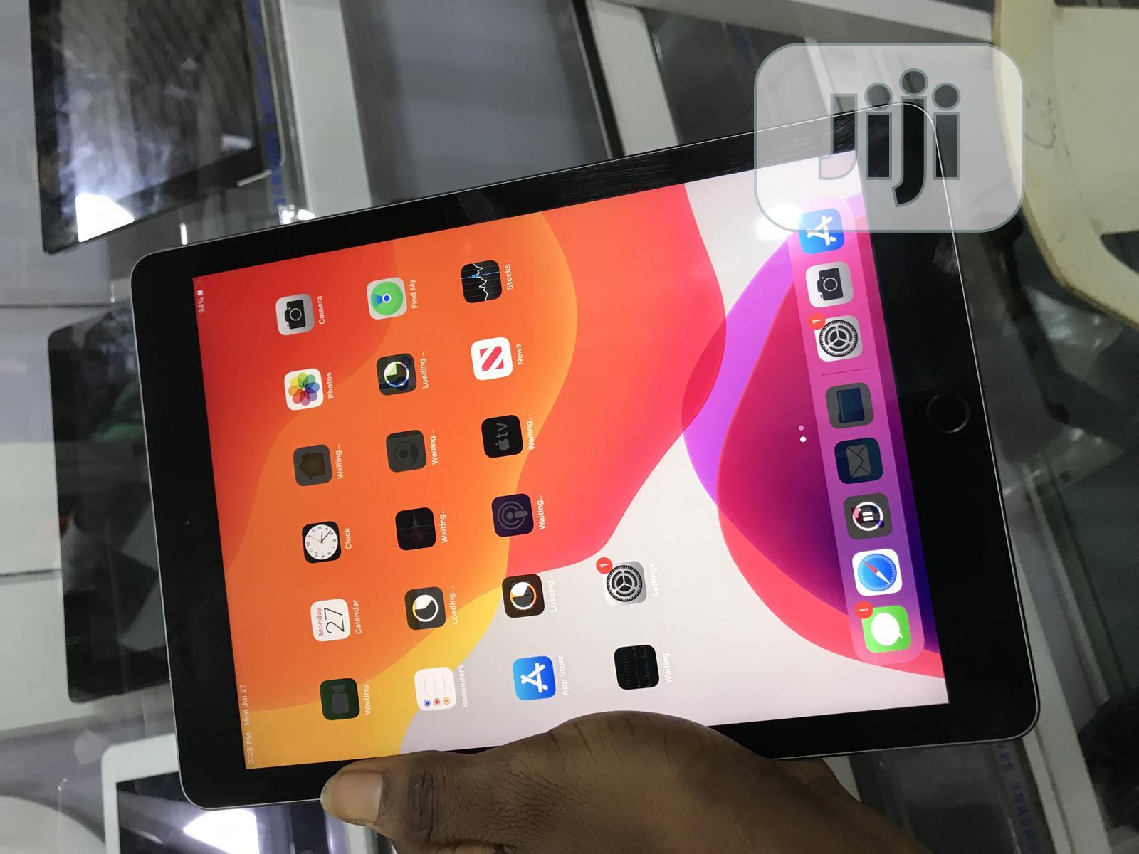 Apple iPad Pro 9.7 128 GB Gray