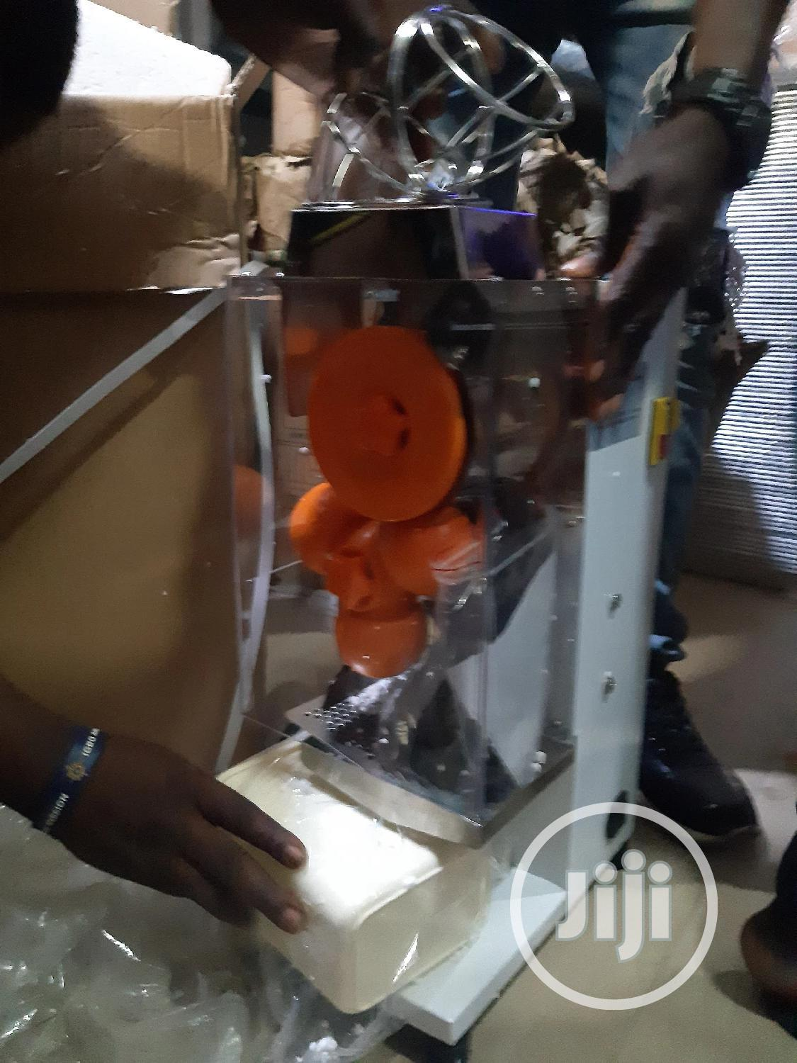 Automatic Orange Extractor | Restaurant & Catering Equipment for sale in Central Business Dis, Abuja (FCT) State, Nigeria