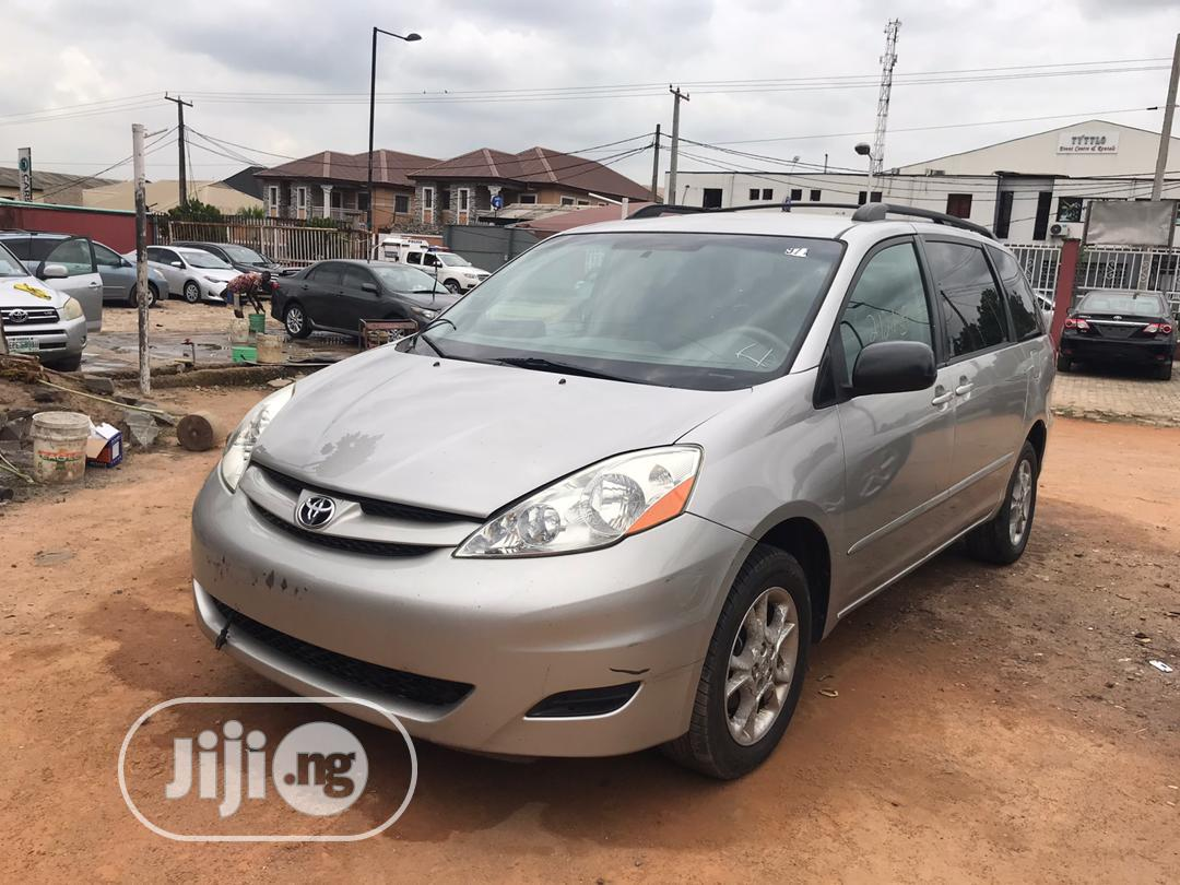 Toyota Sienna 2005 Gold In Ikeja Cars Crown Fit Automobile Jiji Ng For Sale In Ikeja Buy Cars From Crown Fit Automobile On Jiji Ng