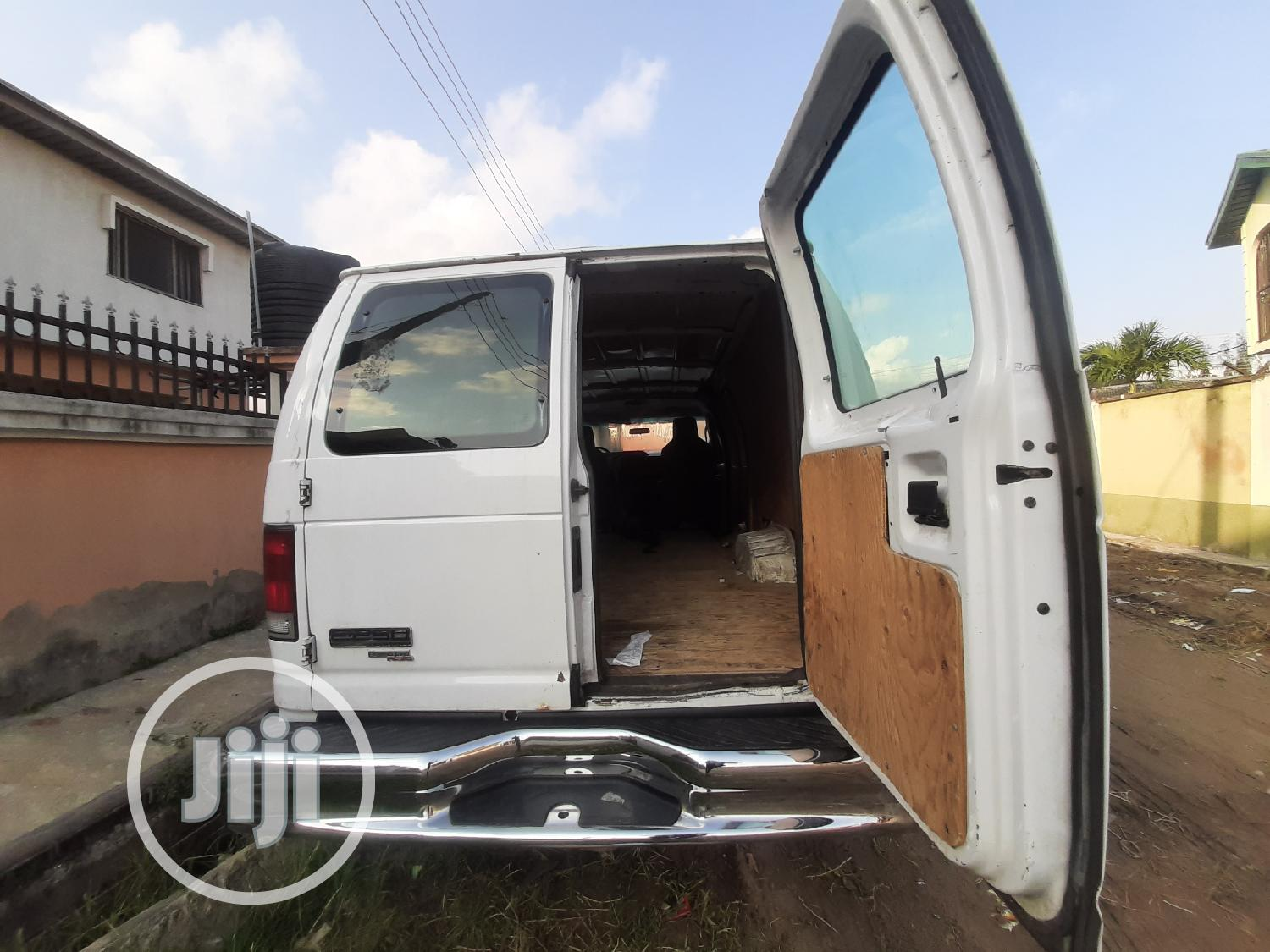 Ford F-250 2013 White | Buses & Microbuses for sale in Lekki Phase 1, Lagos State, Nigeria
