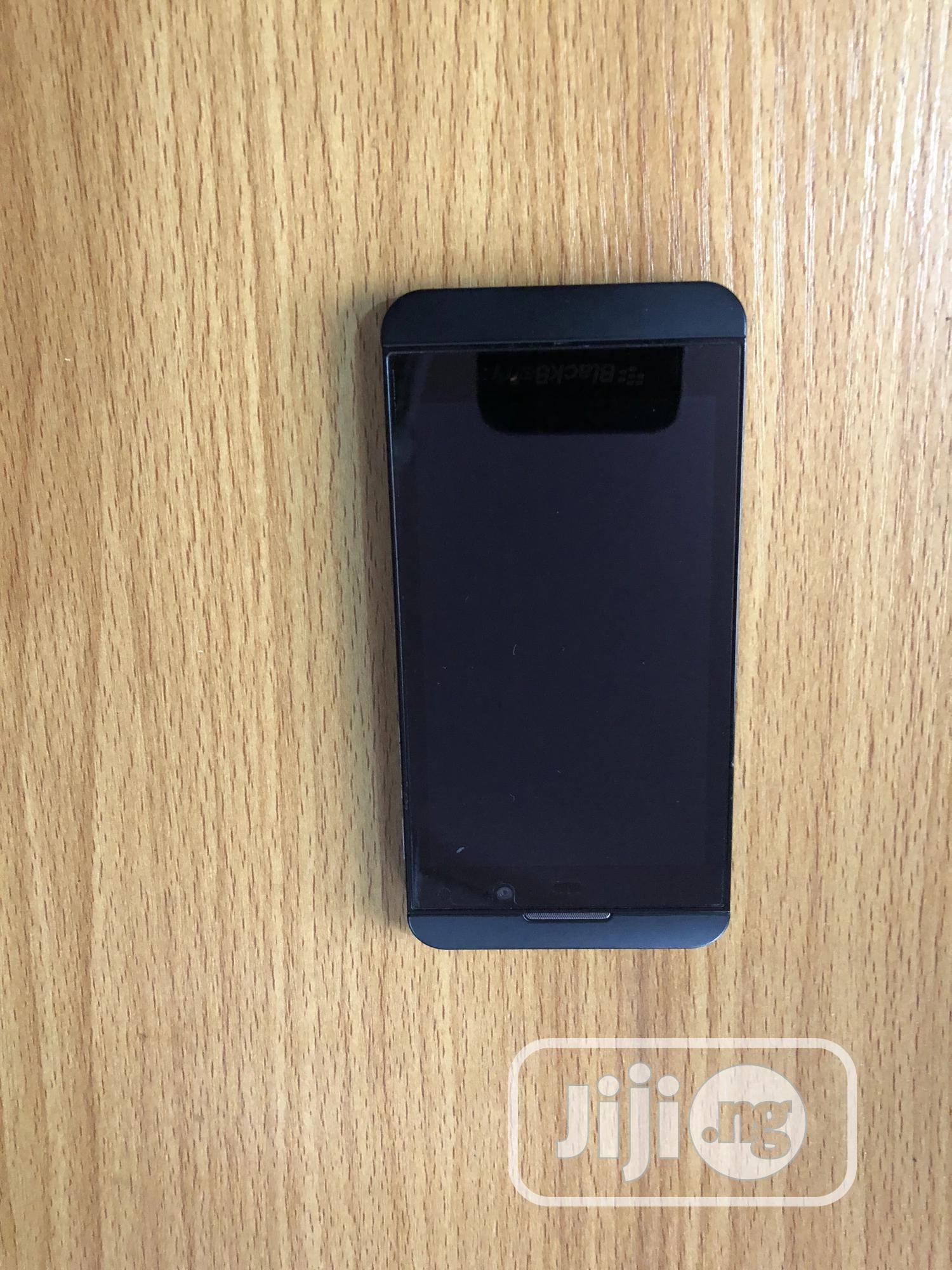 BlackBerry Z10 16 GB Black | Mobile Phones for sale in Mushin, Lagos State, Nigeria