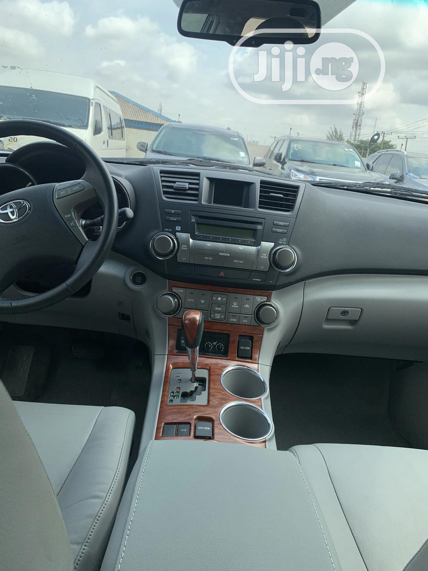 Toyota Highlander 2008 Limited Silver | Cars for sale in Ikeja, Lagos State, Nigeria