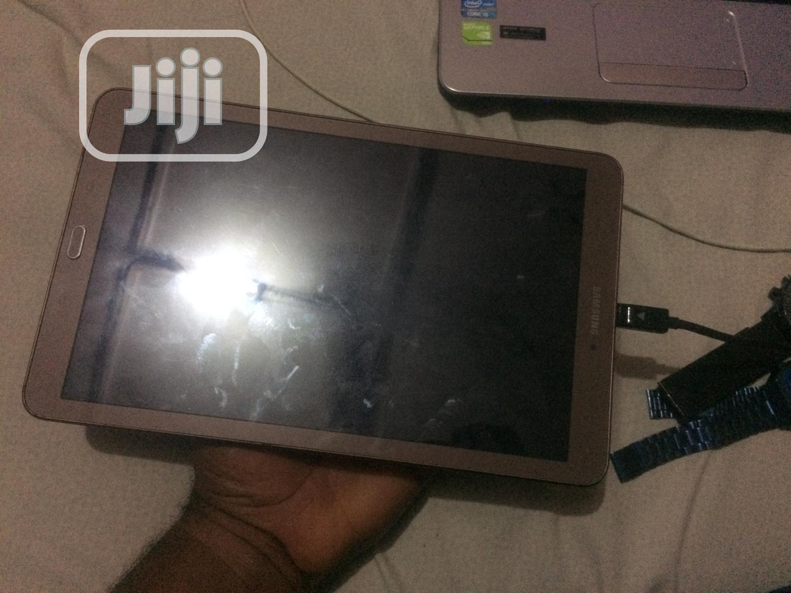 Samsung Galaxy Tab E 9.6 8 GB Gray