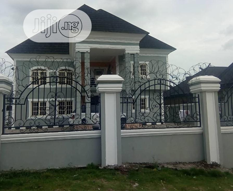 5 Bedroom Duplex With Two Parlour
