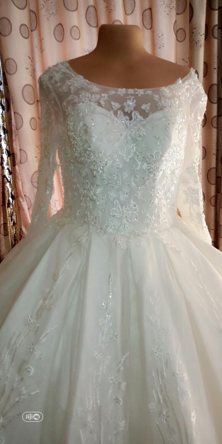 Luxury Ball Wedding Dress Available for Rent | Wedding Wear & Accessories for sale in Ikorodu, Lagos State, Nigeria