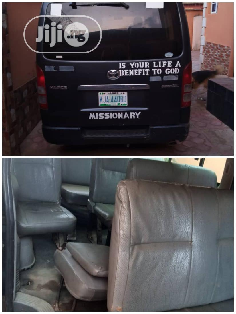 Toyota Hiace Bus 2005 Black | Buses & Microbuses for sale in Alimosho, Lagos State, Nigeria