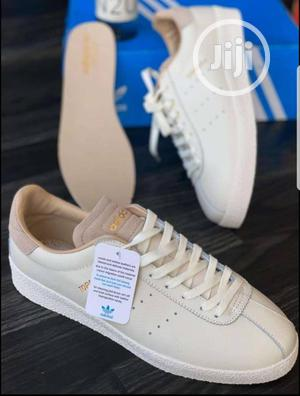 30% Adidas Topanga Leather Men's Sneakers | Shoes for sale in Lagos State, Surulere
