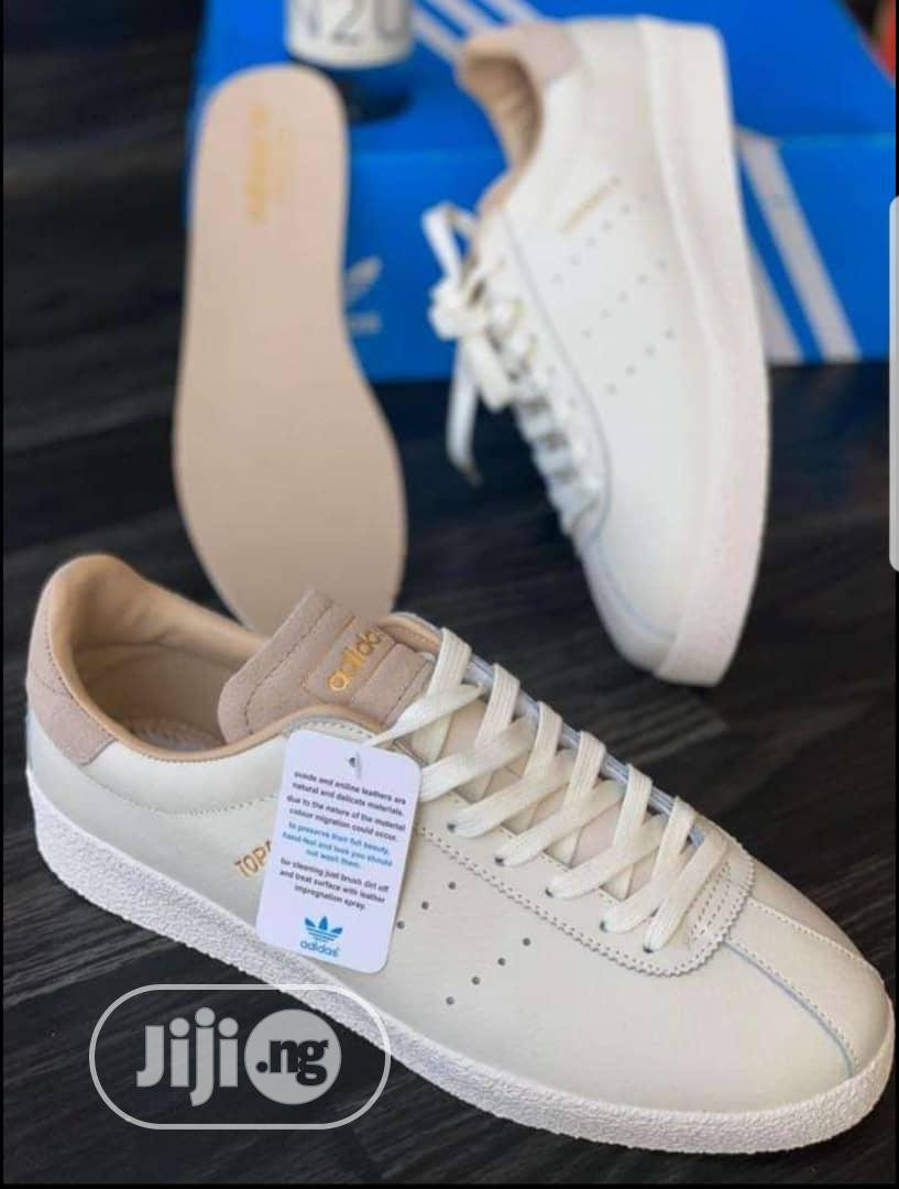 30% Adidas Topanga Leather Men's Sneakers   Shoes for sale in Surulere, Lagos State, Nigeria