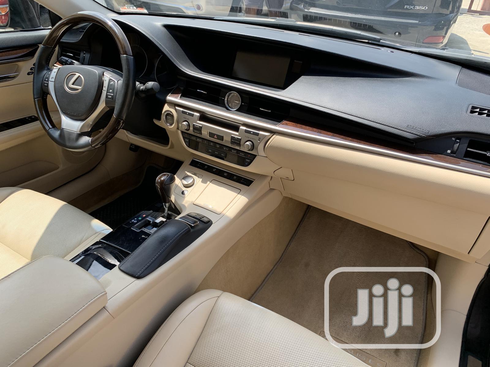 Archive: Lexus ES 2015 Purple