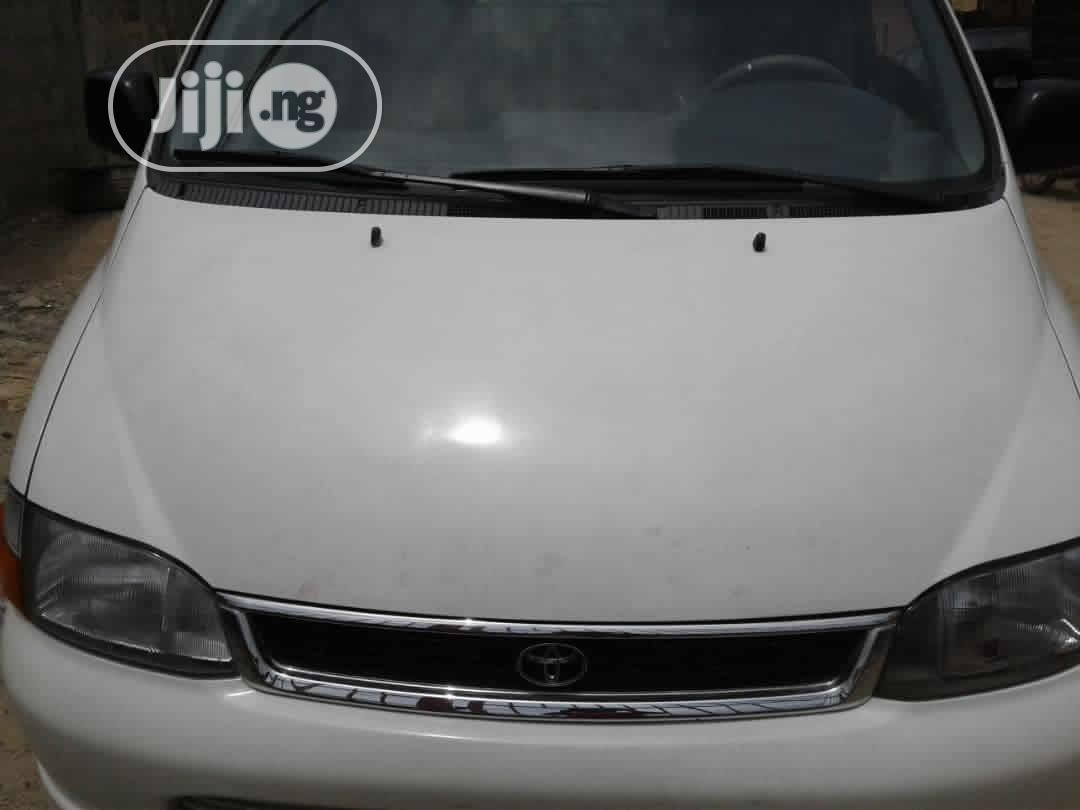Toyota Hi-ace 2006 White | Buses & Microbuses for sale in Isolo, Lagos State, Nigeria