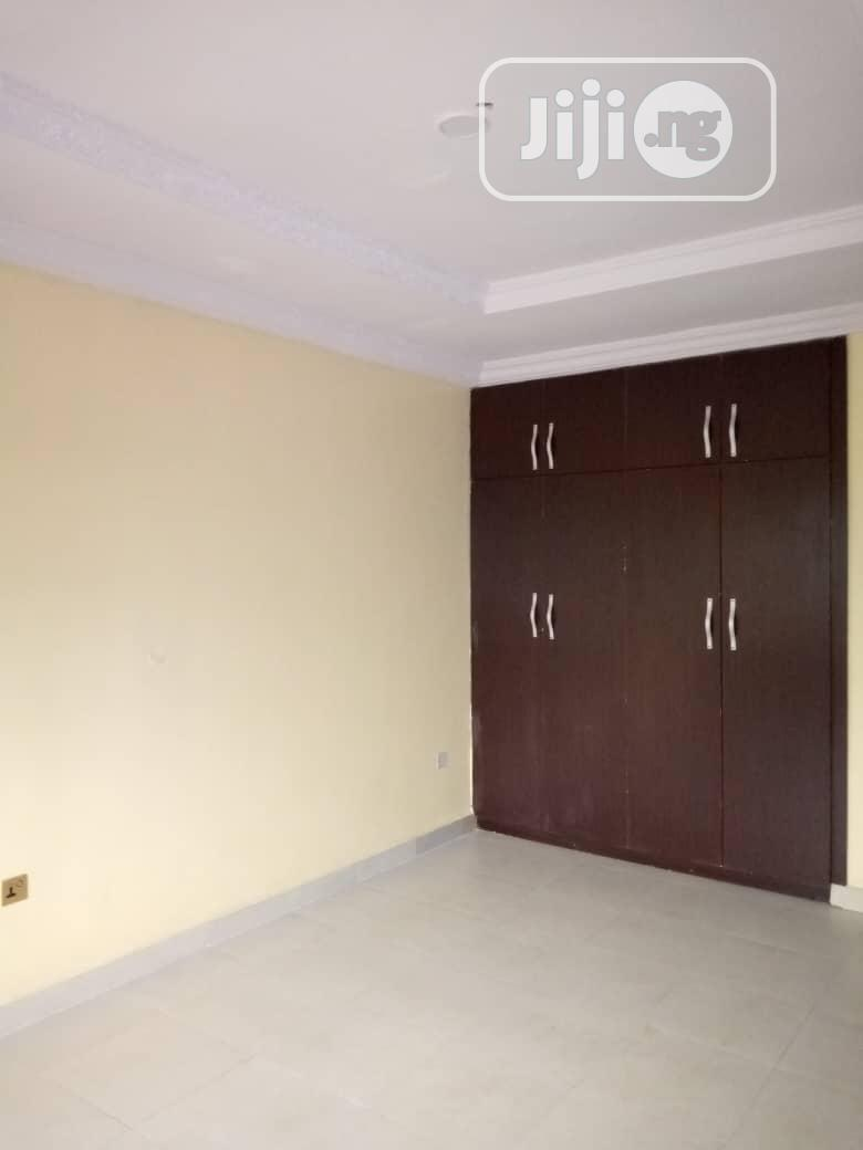 Lovely 3bed Room Flat At Nitel Of Obafemi Awolowo Way Ikd | Houses & Apartments For Rent for sale in Ikorodu, Lagos State, Nigeria