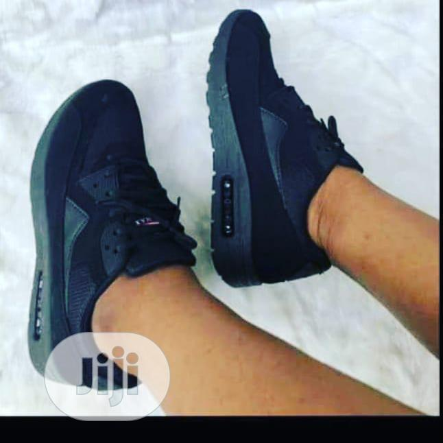 Archive: Unisex Fashion Sneakers