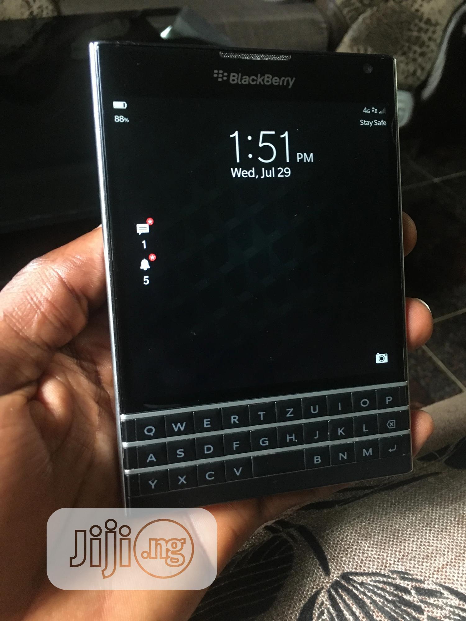 BlackBerry Passport 32 GB Black   Mobile Phones for sale in Ifo, Ogun State, Nigeria