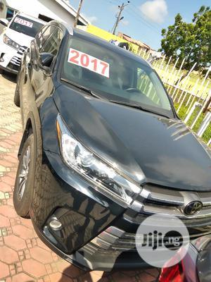 Toyota Highlander 2017 XLE 4x4 V6 (3.5L 6cyl 8A) Black   Cars for sale in Lagos State, Lekki