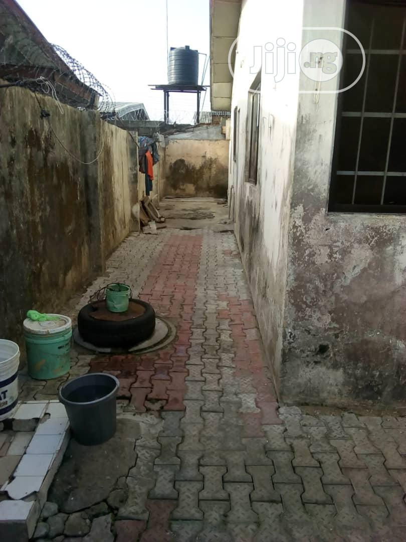 Well Maintained 3 Bedroom Bungalow For Sale | Houses & Apartments For Sale for sale in Ajah, Lagos State, Nigeria
