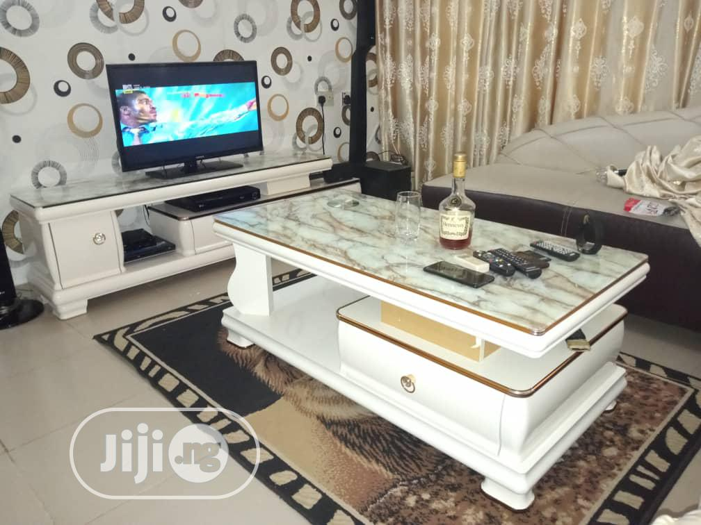 High Quality TV Stand And Center Table With Glass Top