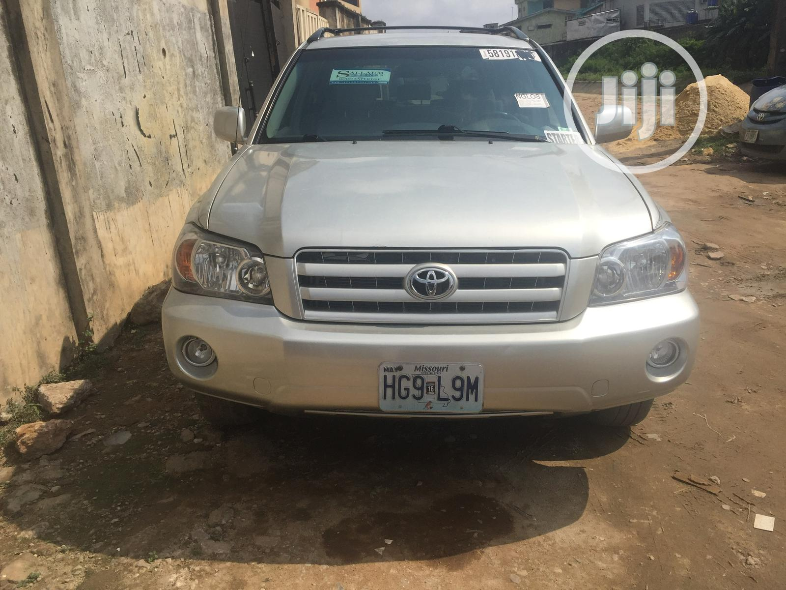 Toyota Highlander Limited V6 2005 Gray | Cars for sale in Shomolu, Lagos State, Nigeria