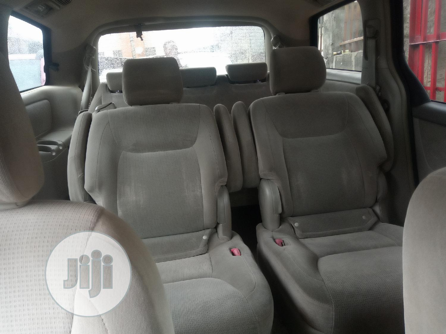 Toyota Sienna 2005 LE AWD Gray | Cars for sale in Isolo, Lagos State, Nigeria