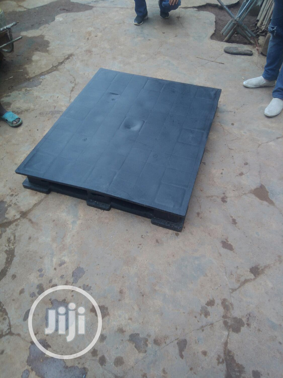 Clean And Durable Rubber Pallets