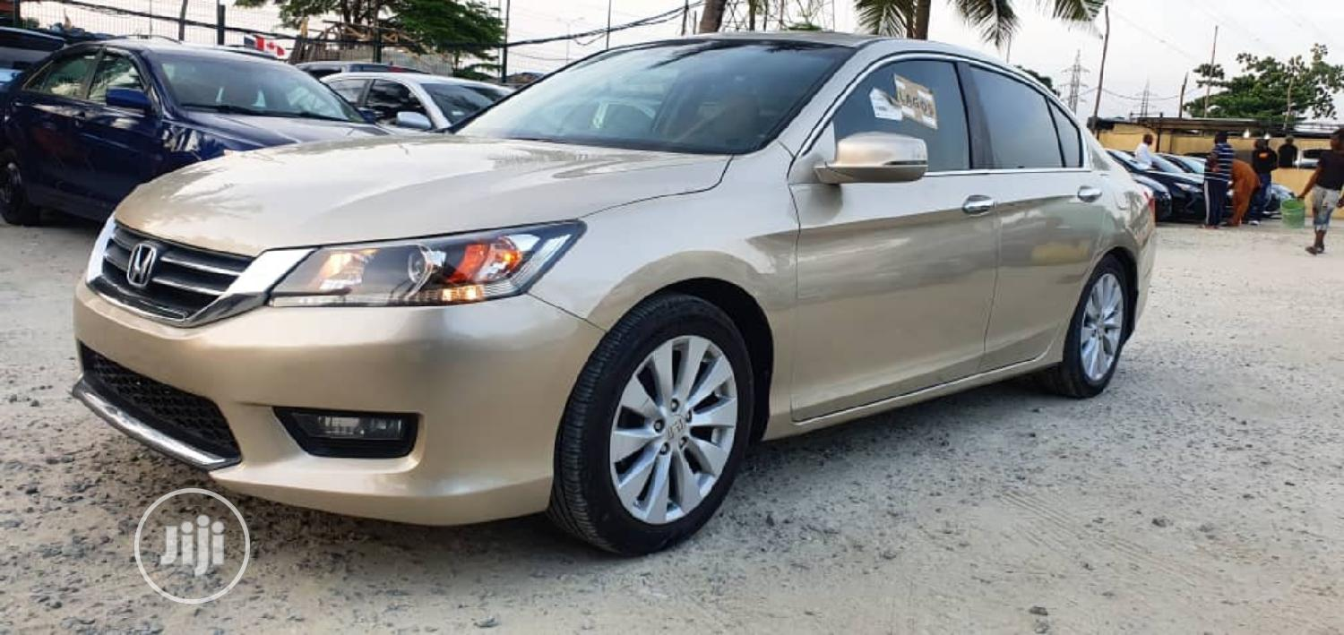 Archive: Honda Accord 2014 Gold