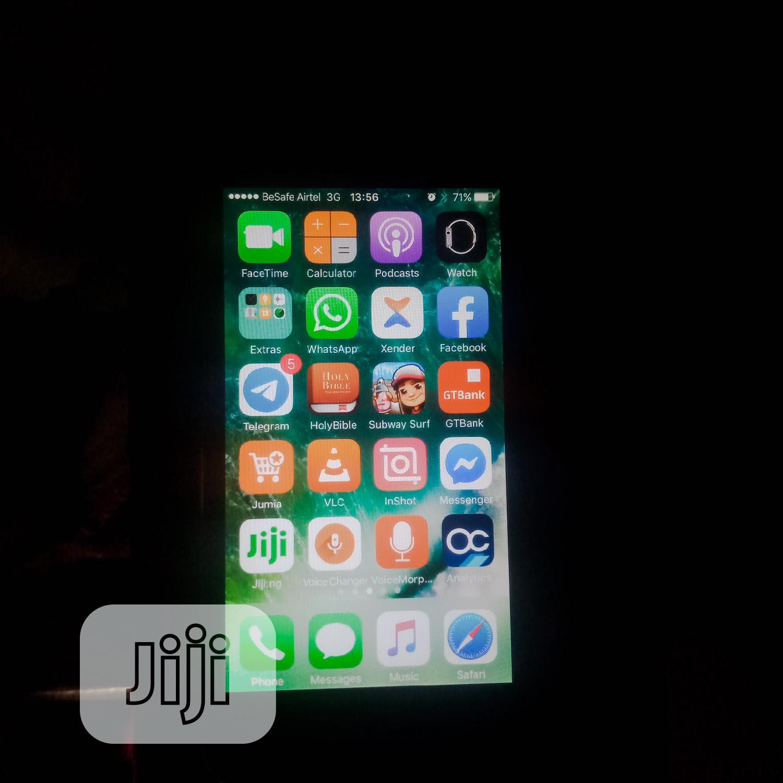 Archive: Apple iPhone 5 16 GB Black